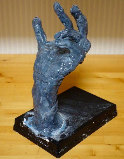 手の塑像(小2)