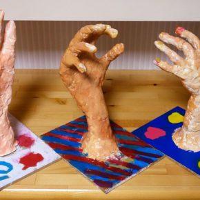 手の塑像(小1〜小3)
