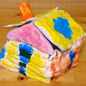 紙粘土のお家(小2)