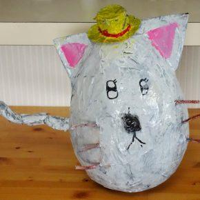 風船張り子・猫のおきあがりこぼし(小2)