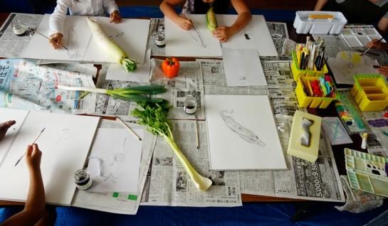 野菜のスケッチ制作風景