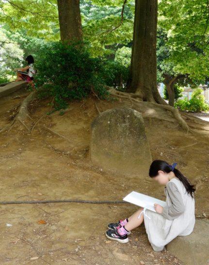 近所の公園にて風景画制作風景