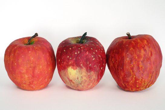 完成「リンゴの模刻」(土曜午前クラス)