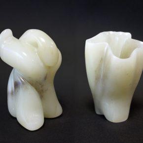 抽象石彫(左/小5、右/中1)
