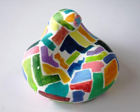 石膏の抽象彫刻(小5)