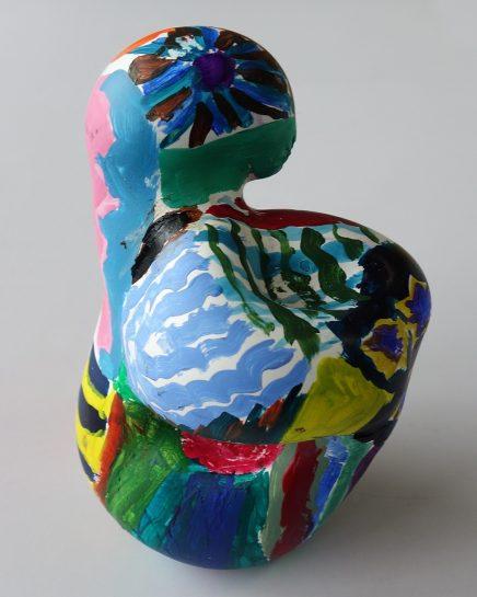 石膏の抽象彫刻(小3)